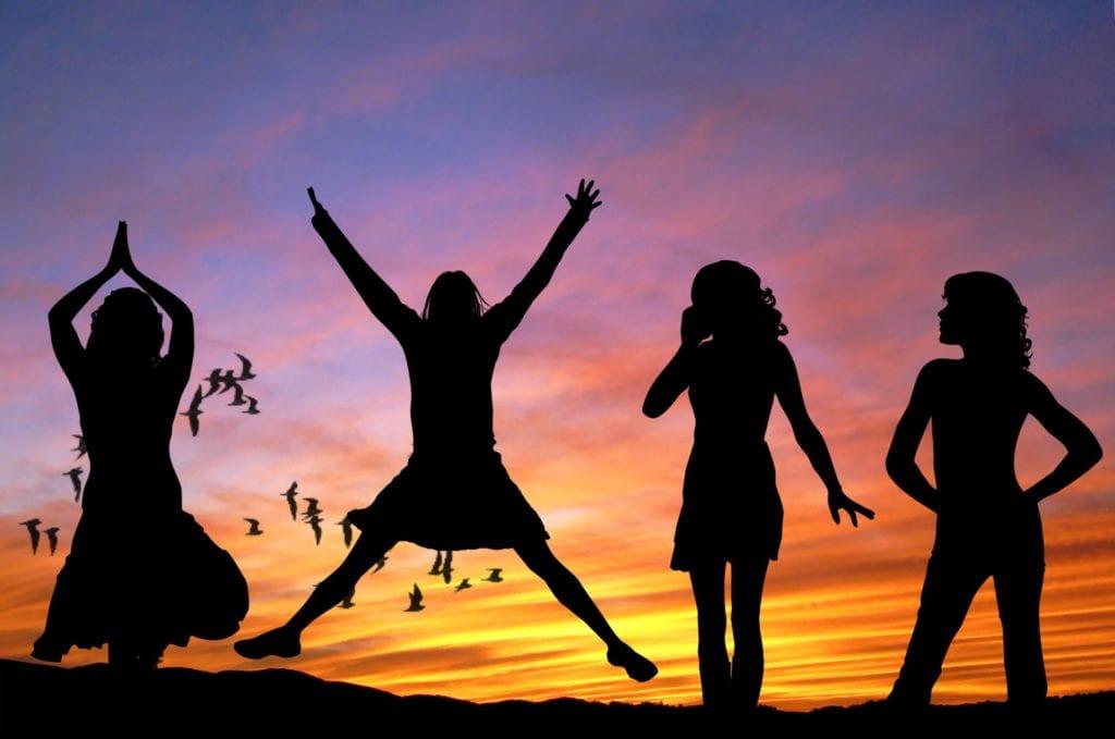 Women-at-sun-set